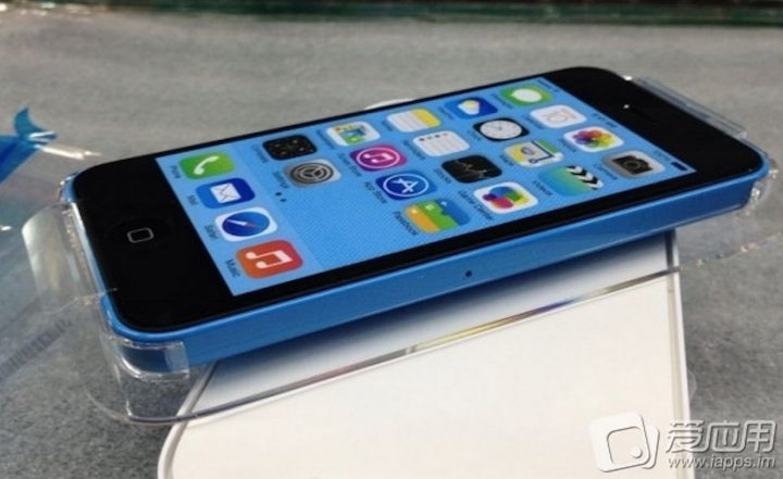 iPhone 5C in all its glory colors-01