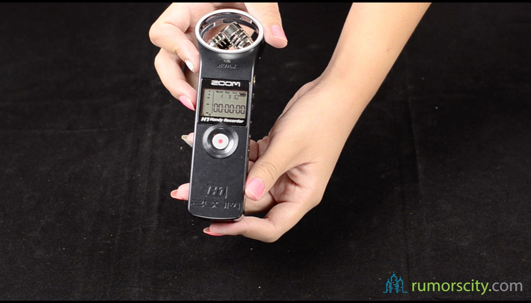 Unboxing-Zoom-H1-Handy-Ultra-Portable-Digital-Audio-Recorder