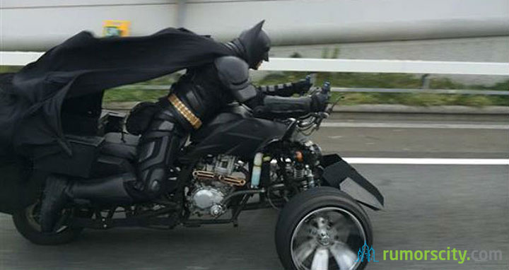 Batman-Spotted-Riding-on-Japan-Motorway