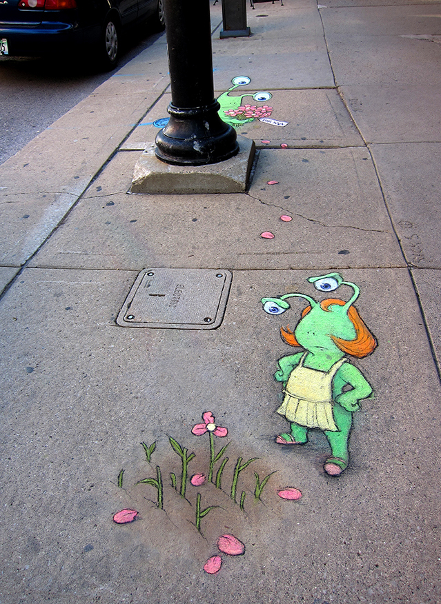 This Man Made The City More Colorful With Chalk Art-02