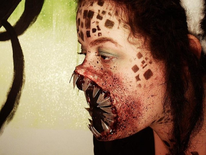 Makeup Tricks For All Your Halloween Needs-01