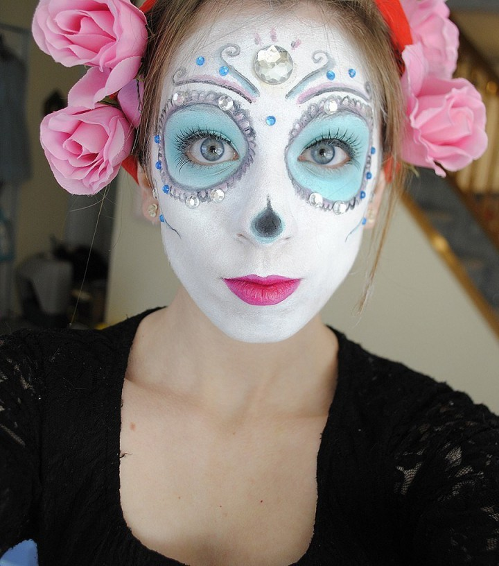 Makeup Tricks For All Your Halloween Needs-09