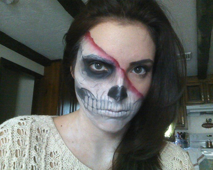 30 Makeup Tricks For All Your Halloween Needs