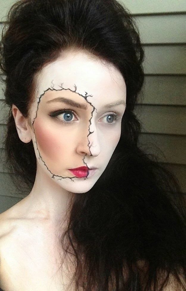 Makeup Tricks For All Your Halloween Needs-25