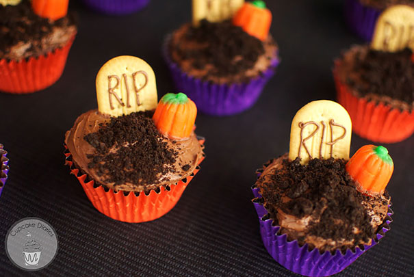 Spooky Halloween Cupcakes That Is Suspiciously Delicious-04