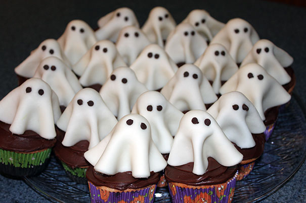 Spooky Halloween Cupcakes That Is Suspiciously Delicious-06