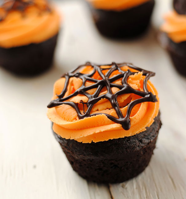 Spooky Halloween Cupcakes That Is Suspiciously Delicious-12