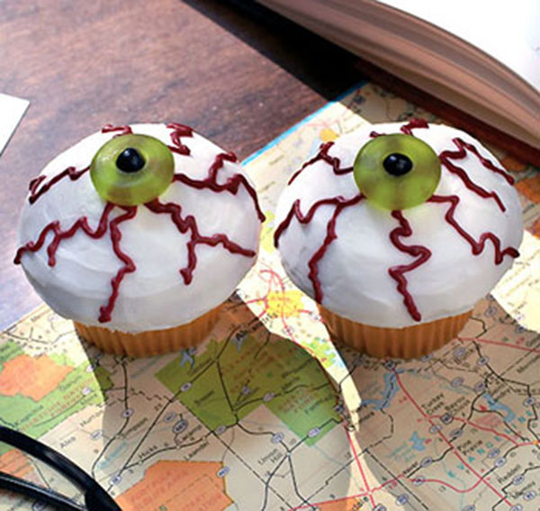 Spooky Halloween Cupcakes That Is Suspiciously Delicious-13