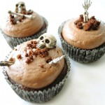Spooky-Halloween-Cupcakes-That-Is-Suspiciously-Delicious