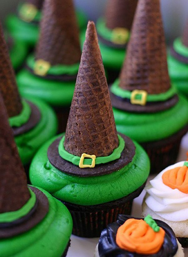 Spooky Halloween Cupcakes That Is Suspiciously Delicious-18