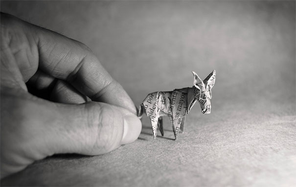 These-Tiny-Origami-Are-Unbelievably-Small-Yet-They-Are-So-Perfect-07