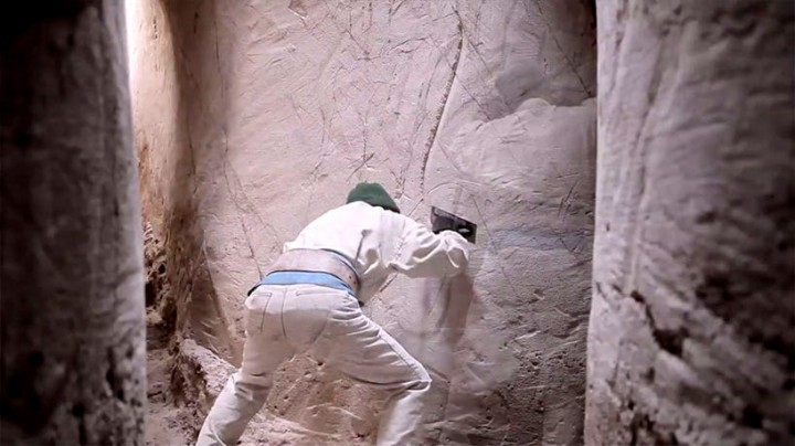 This Artist Carved A Giant Cave For The Past Ten Years-04