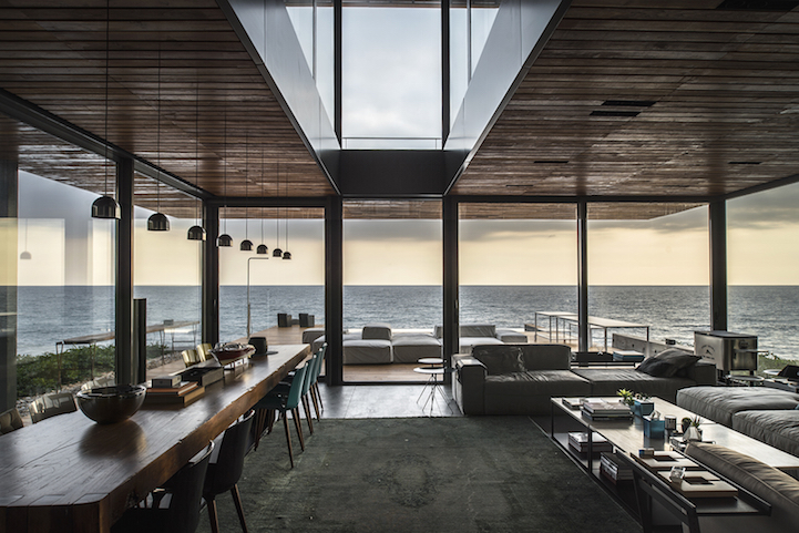 What Is More Breathtaking Than An Seaside Home A Glass House By The Seaside  Of Course