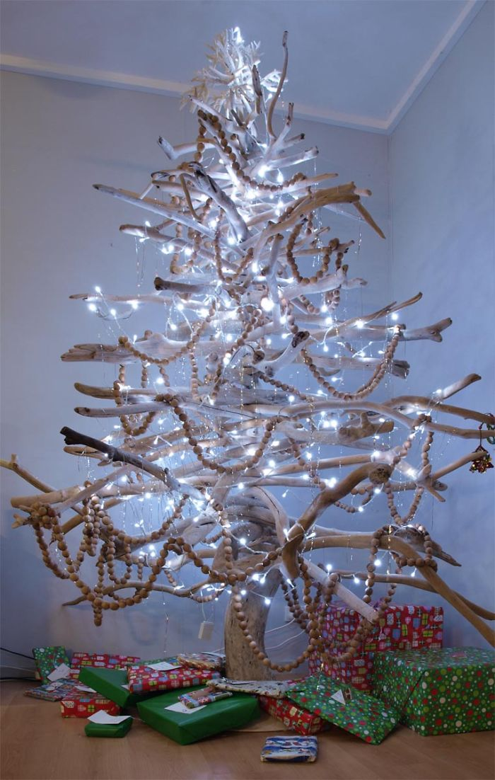 16 creative diy alternative christmas trees Creative christmas trees to make