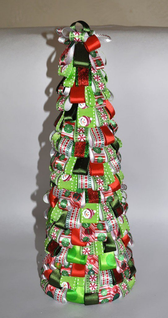 15 Exquisite Christmas Tree Designs You Can Make In No: creative christmas trees to make