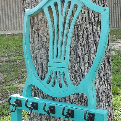 Creative Ideas To Repurpose And Upcycle Old Chairs-08