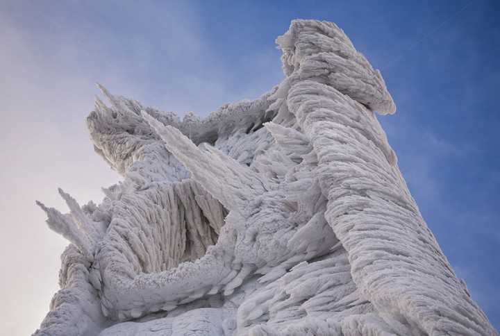 Extreme Weather Turned This Mountain Into A Magnificent Piece Of Art-06