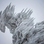 Extreme-Weather-Turned-This-Mountain-Into-A-Magnificent-Piece-Of-Art
