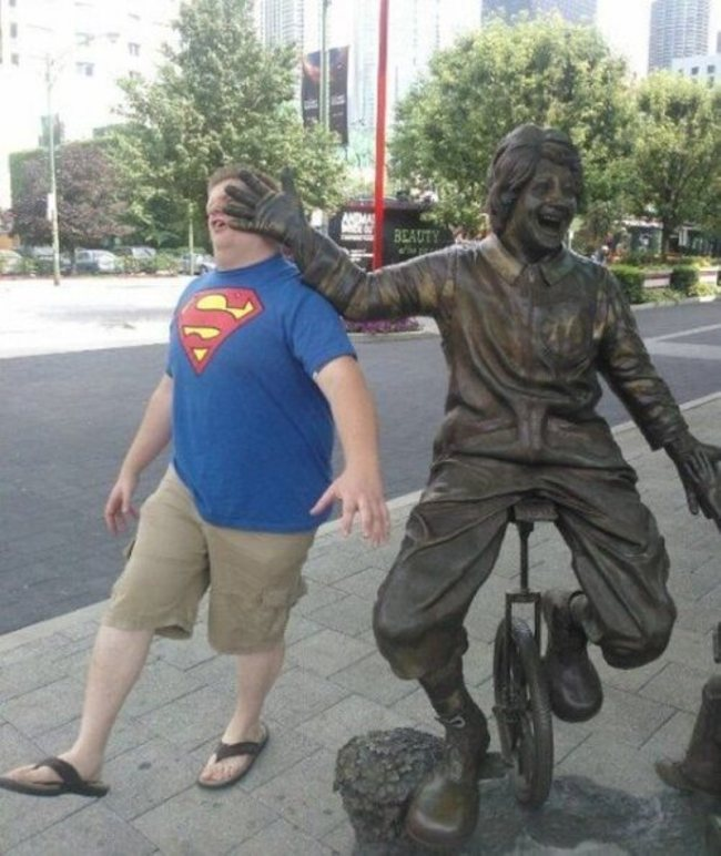These People Made The Most Out Of The Statues-15